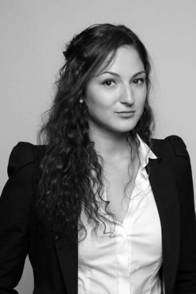 Nina Jankovic, Advogada com experiência em Arbitragem Comercial
